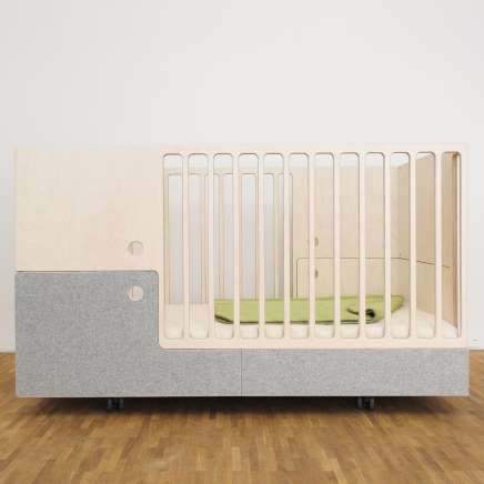 Otto in the Moon crib, Perludi designed Otto in the Moon junior bed and ottoman